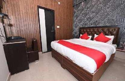 2500 Sq.ft. Hotel & Restaurant for Sale in Varanasi