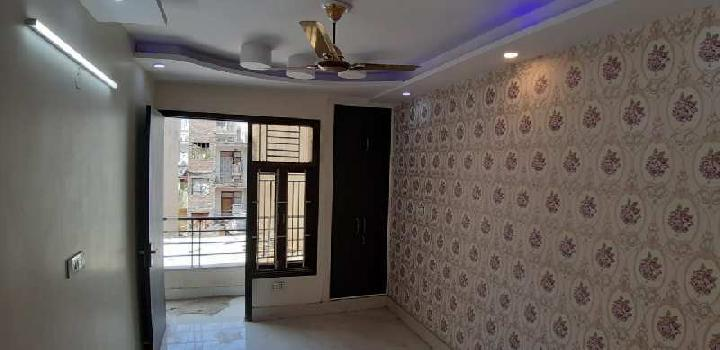 3 BHK Flats & Apartments for Sale in Sector 28, Dwarka, Delhi