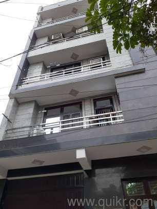 3 BHK Flats & Apartments for Sale in Dwarka Mor, Dwarka, Delhi