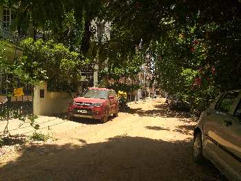 Clear title byrathi blessing garden gated community 30x50 east faceing