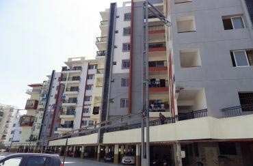 Freehold 3 BHK Flat For Sale at Nipania , Indore