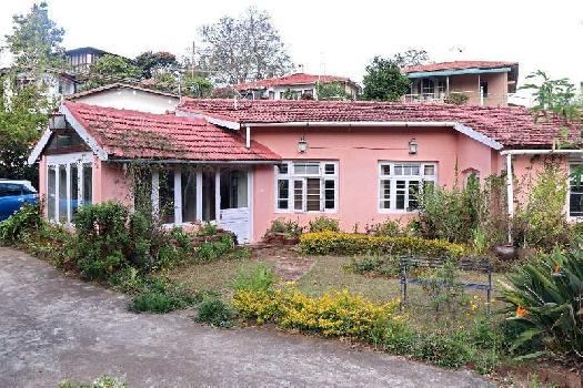 100 Year Old Colonial British Bungalow @ 3.3 Crs -CO0NOOR TOWN