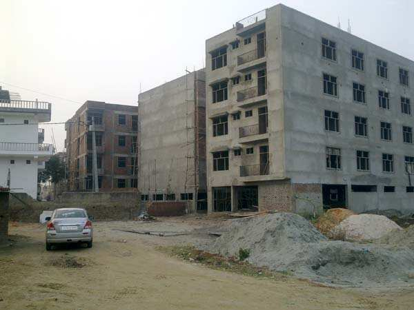 3 BHK Flats & Apartments for Sale in Sector 106, Noida