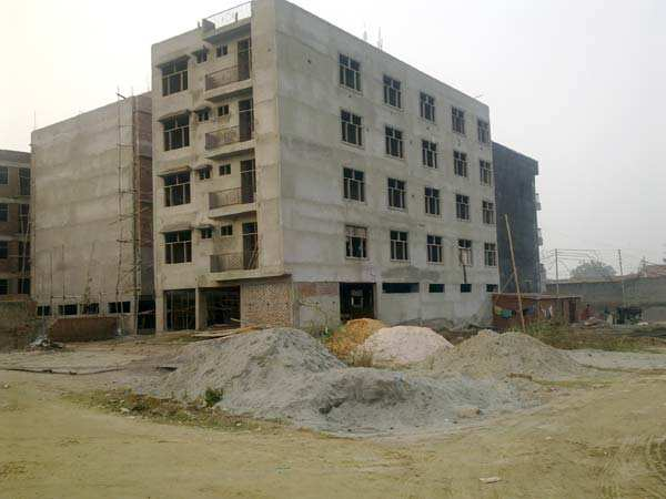 2 BHK Flats & Apartments for Sale in Sector 106, Noida