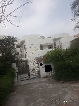duplex available for sale in shivalik sector-61,on main road