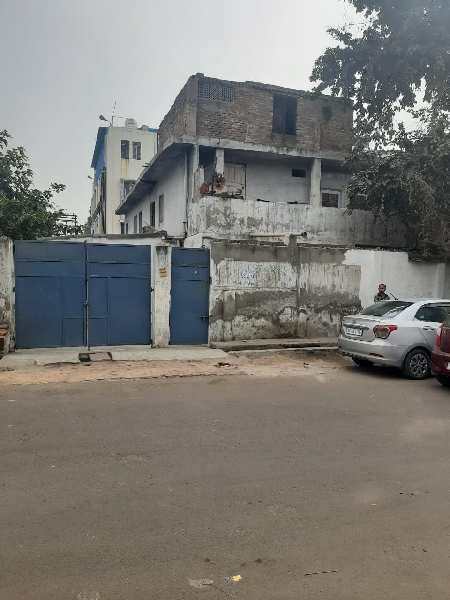 450 m shed/plot for sale on 12m wide road in Sector-63,Noida