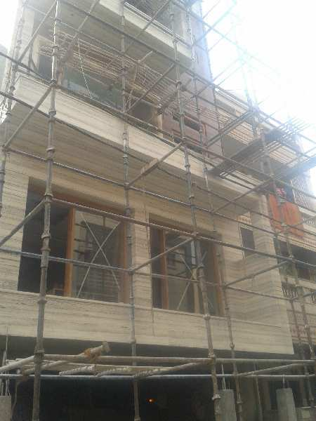 250m brand New independent building available for sale in Sector-63,Noida