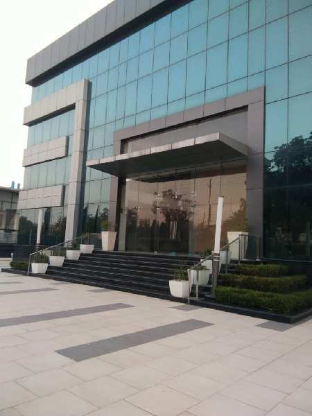 1000m fully furnished building available for sale in Sector-63,Noida
