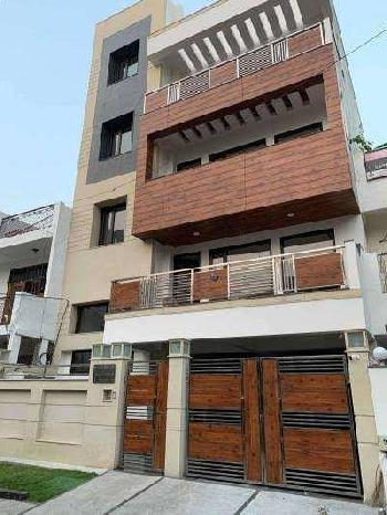 200m brand new kothi for sale in Sector-52,NOIDA on 18m wide road
