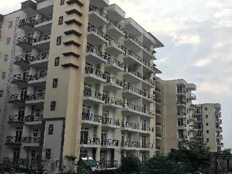 3 BHK ,LIVING &DINNING &3 BEDROOMS,3 BALCONIES, KITCHEN+STORE ROOM.