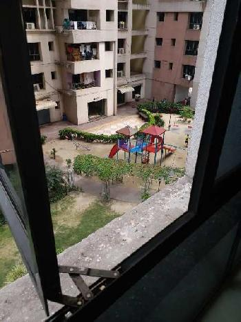 2 BHK Flats & Apartments for Sale in Tangra, Kolkata