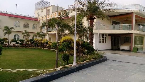 9 BHK Fully Furnished Ansal Satbari 1.25 Acres Built Up FARMHOUSE For SALE/RENT