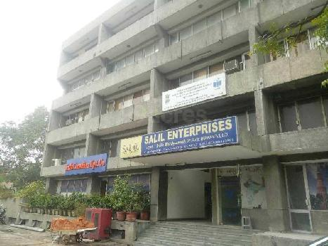 INDEPENDENT COMMERCIAL OFFICE SPACE FOR SALE IN RISHYAMOOK BUILDING, MAIN PANCHKUIAN ROAD.