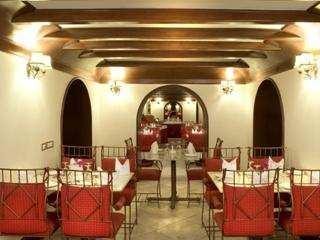 FOR SALE BEST HERITAGE MAHARAJA PALACE/ HOTEL PROPERTY NEAR ALWAR, RAJASTHAN