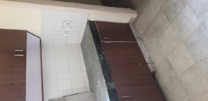 2 bhk flat big size near walking metro station