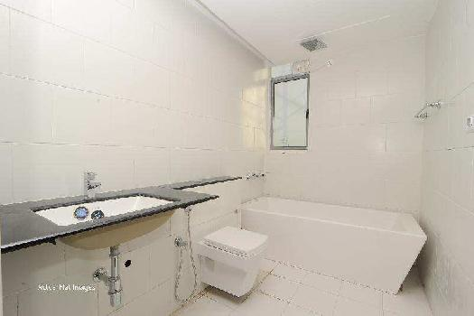 1600 Sq Ft Flat for Sale in Prime Location