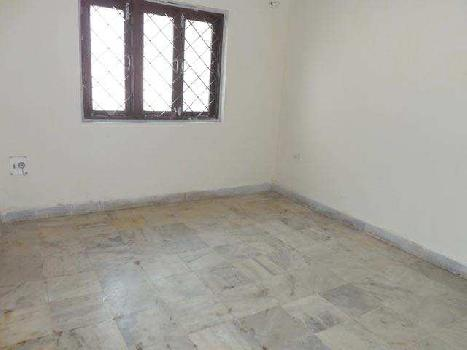 1400 Sq ft Specious Flat in Vasant Kunj
