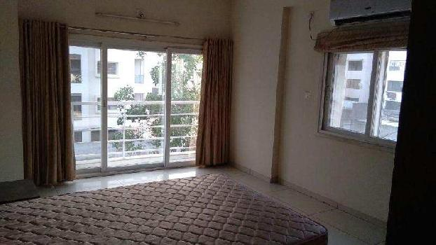 3 BHK Flats & Apartments for Rent in Akota, Vadodara