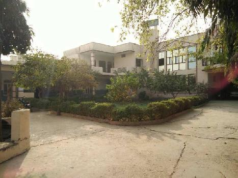 13000 Sq.ft. Business Center for Sale in Agra