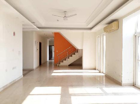 5 BHk Apartment for Rent in Sector 104 Noida