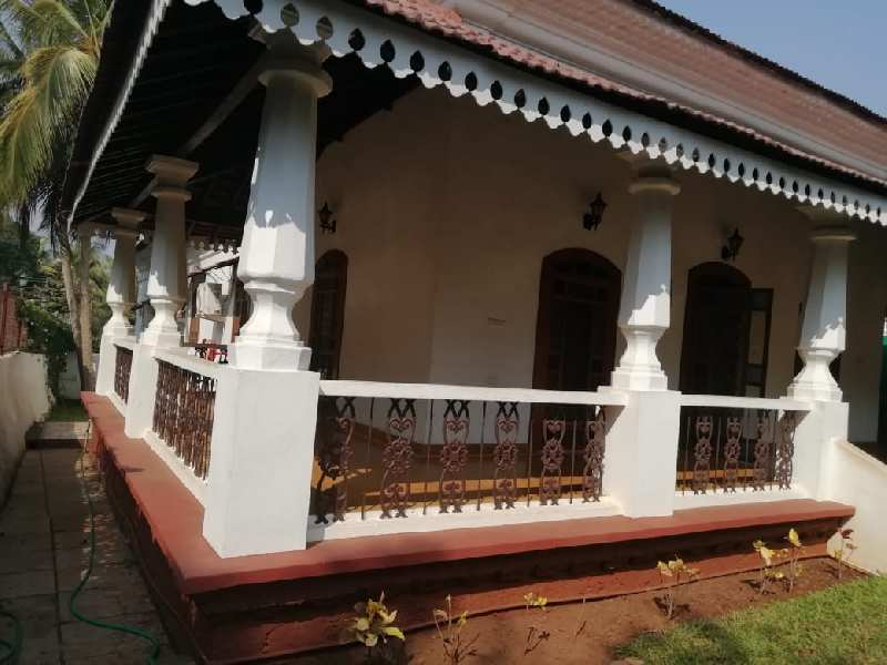 Portughuese House Compounded For Sale - Assagaon