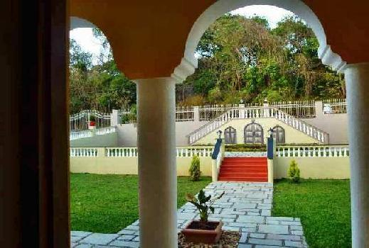 Independent House with Private Pool for sale in Aldona - North Goa