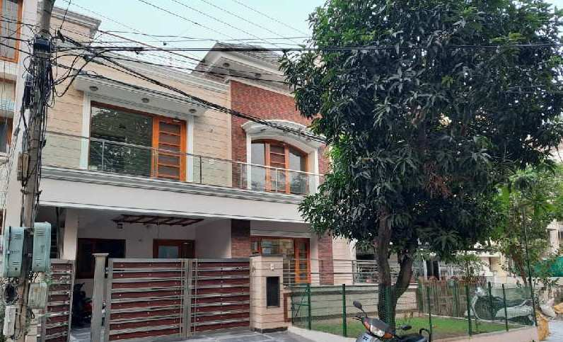 6 BHK Individual Houses / Villas for Sale in Phase 2, Mohali