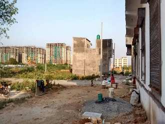 residential property near  lal kuan ghaziabad