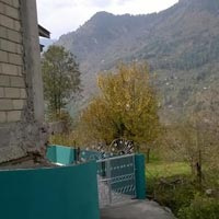 DUPLEX COTTAGE WITH 3 SHOPS FOR SALE IN MANALI