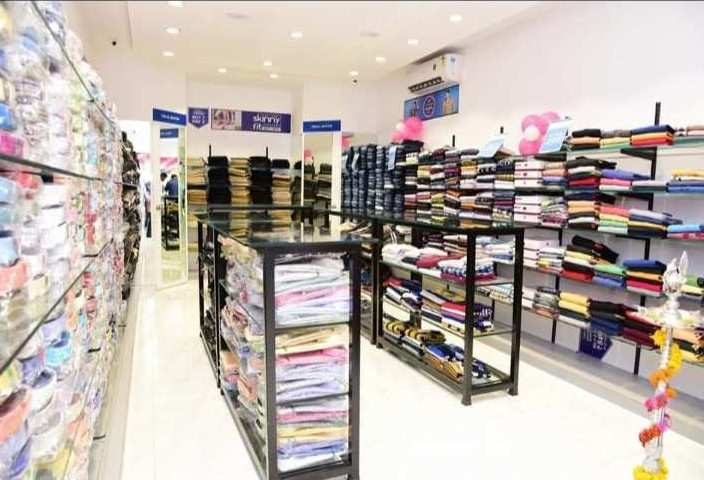 Shop for rent in wai