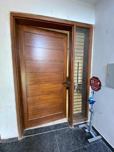 Newly buily 3bhk Flat for sale on Patiala Road,Zirakpur