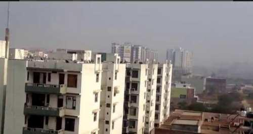 BUDGET HIGH RISE FLAT IN ZIRAKPUR