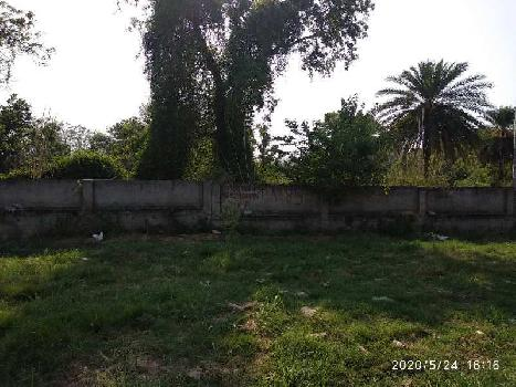PLOT IN GATED TOWNSHIP NEAR HIGHWAY
