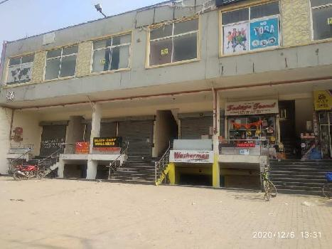 POSSESSION READY LGF SHOWROOM ON VIP ROAD ZIRAKPUR