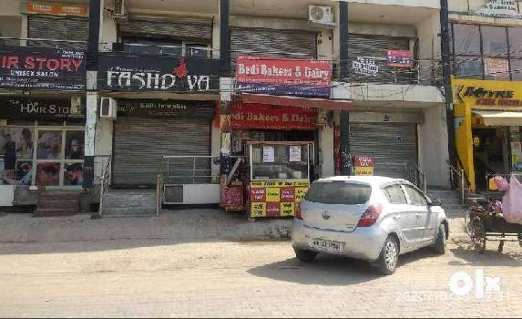 FREEHOLD SHOP 12*32 NEAR PENTA HOMES ZIRAKPUR