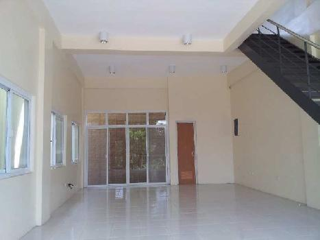 Commercial Showrooms for Lease in Tembhi Naka