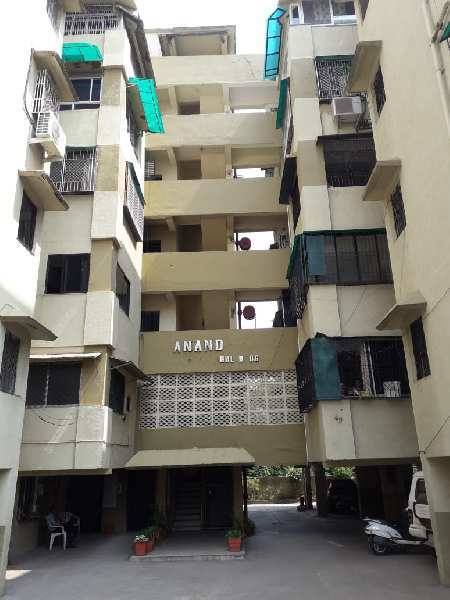 two BHK , semi furnished, Pop ,New electric wiring ,  AC Wiring done in rooms and hall., lift, modular kitchen , New bathrooms with jaguar fittings, Area 1000sq ft. . Paul builders schemes.  Clarke  town .Available for sale