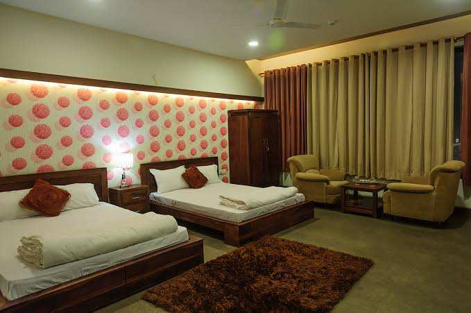 4 bhk flat for sale at Kolar road, Bhopal