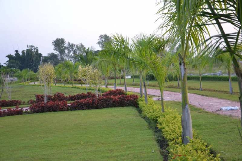 PLOT FOR SALE IN  DLF GREEN CITY