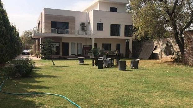 Fully furnished luxury Brand New kothi for Rent in Sainik farms South Delhi