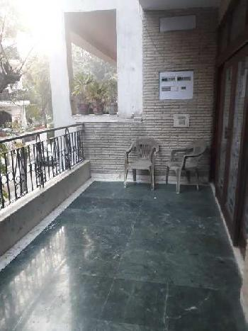 3BHK flat for Rent in Saket South Delhi