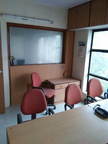 800 Sq.ft. Office Space for Rent in Athwa Gate, Surat