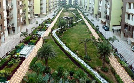 MAYA GARDEN CITY 2BHK AVAILABLE FOR SALE ON CHANDIGARH-AMBALA DELHI HIGHWAY ZIRAKPUR