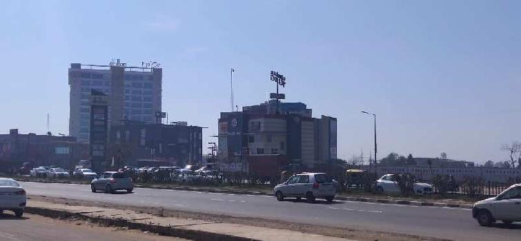 Maxxon Celebration Commercial Project on Chandigarh to Delhi Highway Zirakpur +918872829100