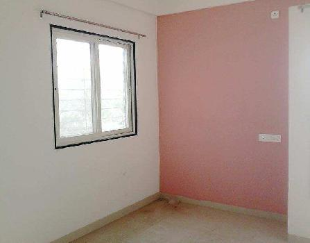 2 BHK Semi Furnished Flat in Well Develop Area