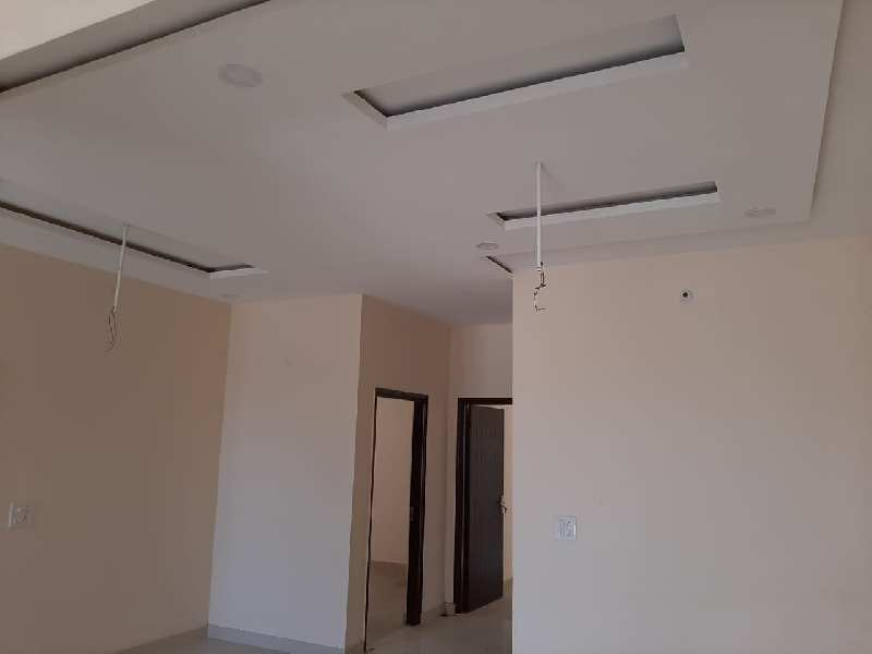 3 BHK Large Family House is Available in Amrit Vihar Extension