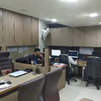 2840 Sq.ft. Office Space for Sale in Hazratganj, Lucknow