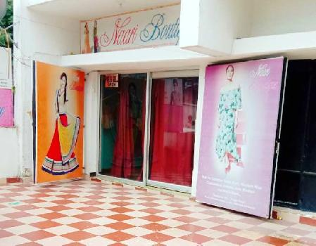 Running boutique shop in hajratganj