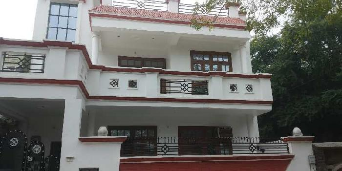 Semi furnished house in ashiyana sector m