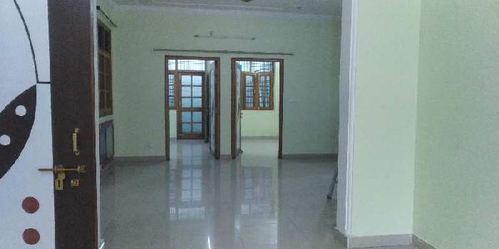 Semi furnished house in ashiyana sector m